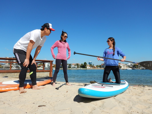 Surfers Paradise Stand Up Paddle (SUP) Beginner Lesson