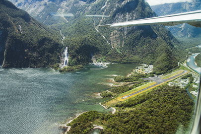 Mt Earnslaw, Mt Aspiring & The Glaciers Scenic Flight