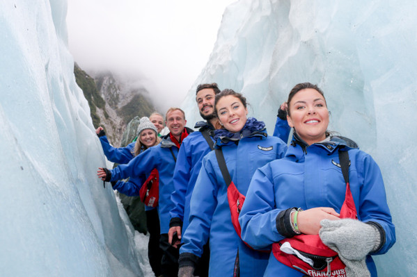 new zealand bus pass north and south island tour deal