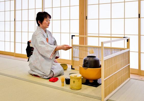 OSAKA TEA CEREMONY WITH KIMONO EXPERIENCE