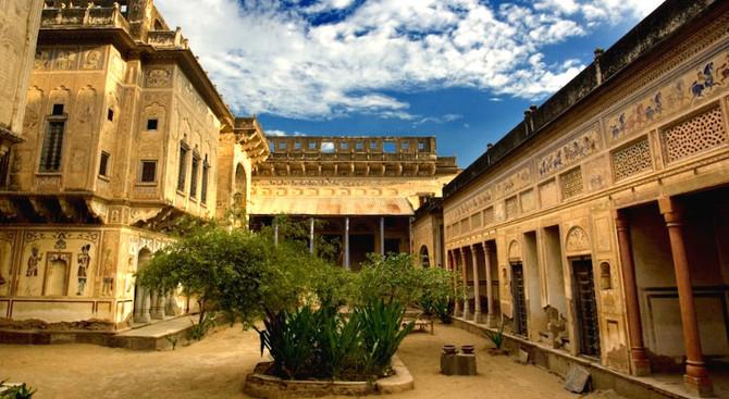 Mandawa - Rajasthan with Taj Mahal Tour