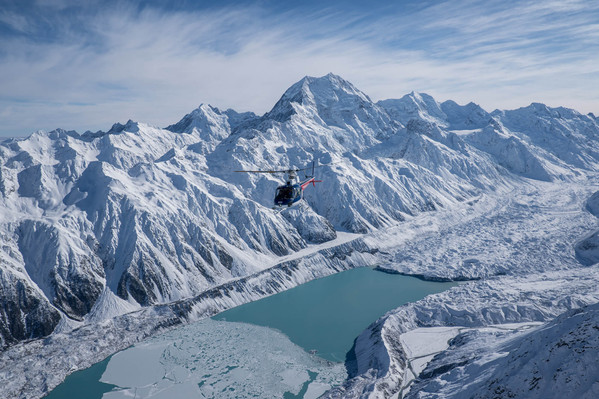 Mt Cook Scenic Helicopter with snow landing