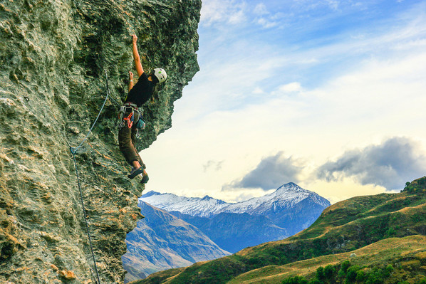 deal rock climbing wanaka