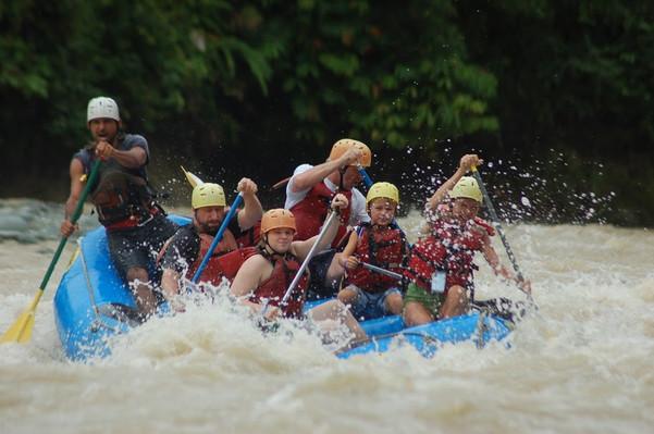 white-water-rafting-costa-rica