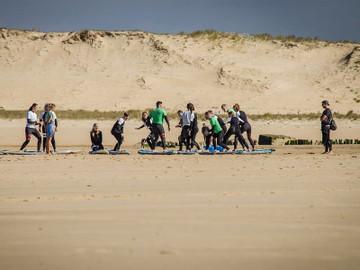 2H Coolum Beach Beginner Surf Lesson