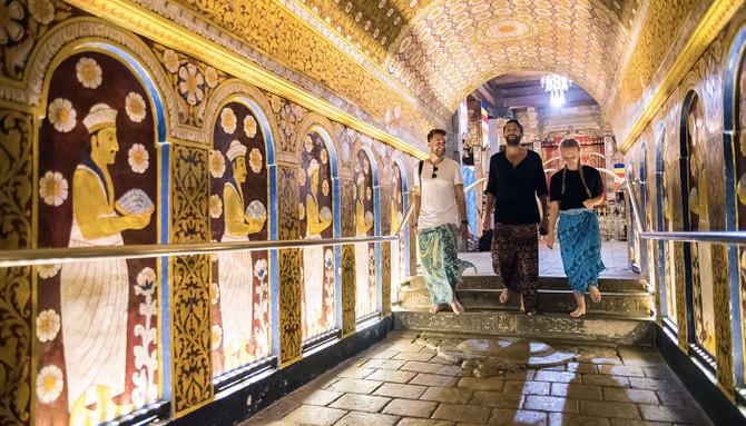 sri lanka temple expeirence